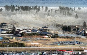 Tsunami à Natori ( Japon )photo source:http://lcbr2.com