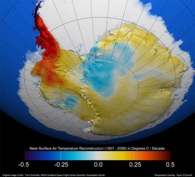 Relevés satellite des températures de l'Antarctique, laissant apparaitre le continent