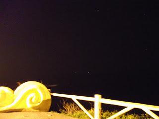étoiles en haut dans le ciel Image source: ufoportugal.blogspot.fr/
