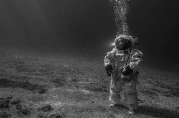 Apollo 11 Sous la Mer crédit :ESA