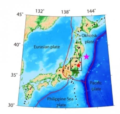 Les failles qui traversent le plancher océanique seraient capables de faire transiter l'eau des océans vers les profondeurs de la Terre dans des quantités plus importantes que ce qui était supposé jusqu'ici. Crédits : © Tong et al. 2012, Solid Earth