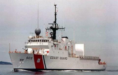 Cutter est le terme utilisé par la Garde côtière des États-Unis pour désigner ses navires en service. Un Cutter mesure 65 pieds ou plus de longueur, avec un équipage affecté de façon permanente, ainsi que leurs logements à bord.  (Crédit: Wikimedia Commons)